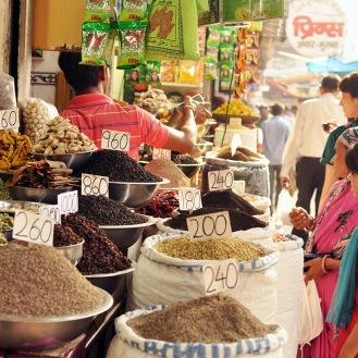 Bazar de especiarias em Nova Delhi