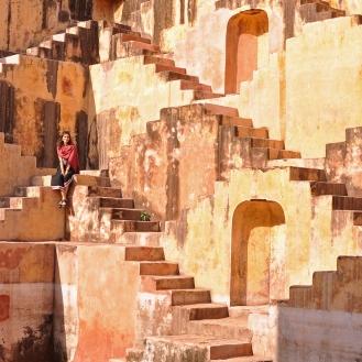 Baoris, lindas escadarias para armazenas a água das monções