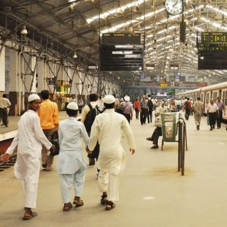 terminal de trens de Mumbai, onde todos se encontram