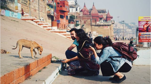 Equipe TastemadeBR fazendo amigos em Varanasi